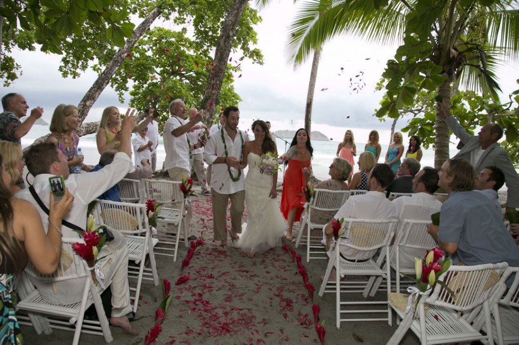 ceremony in manuel antonio