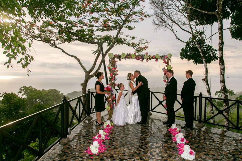 wedding-ceremony-villa-caletas-costa-rica