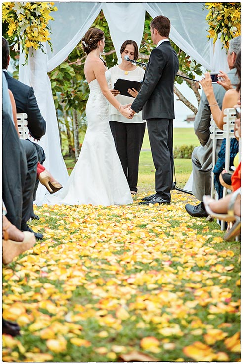 wedding-ceremony-yellow-rose-petals
