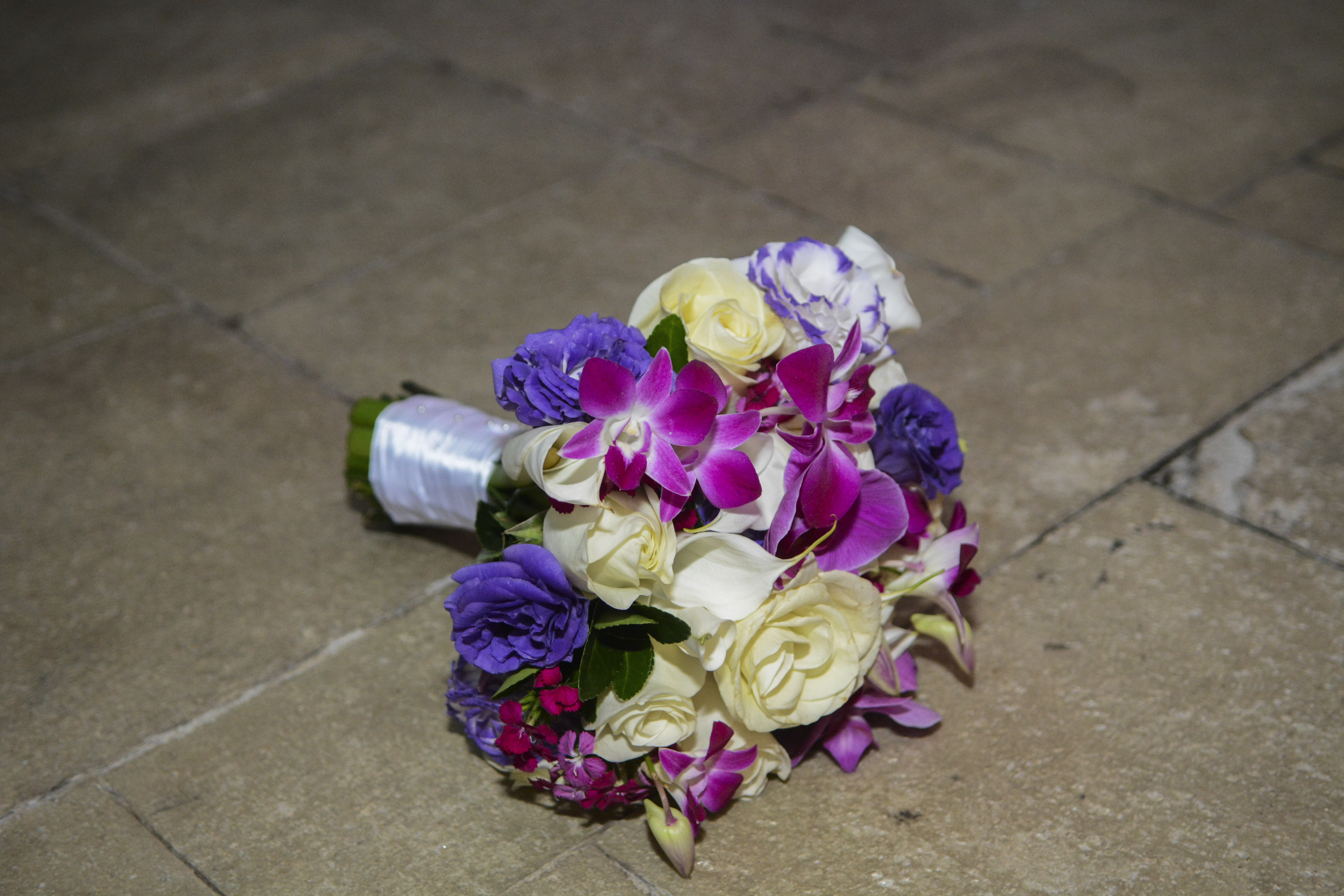 maria-elliott-purple and white bouquet