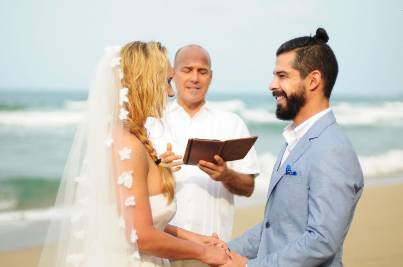 couple with officiant playa cocles