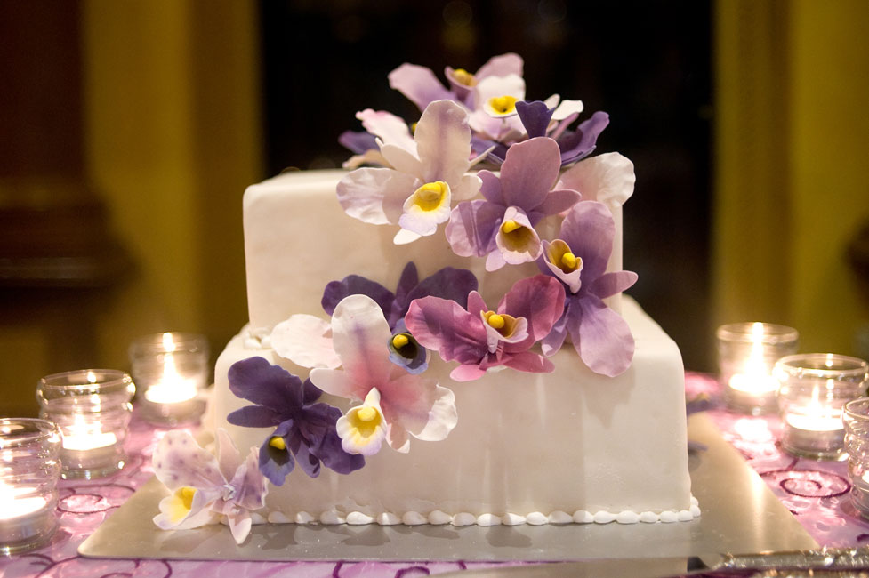 cake cascading lilac, purple orchids