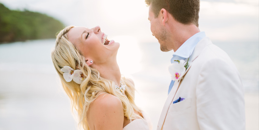 Wedding couple on the beach in Costa Rica - professional photography