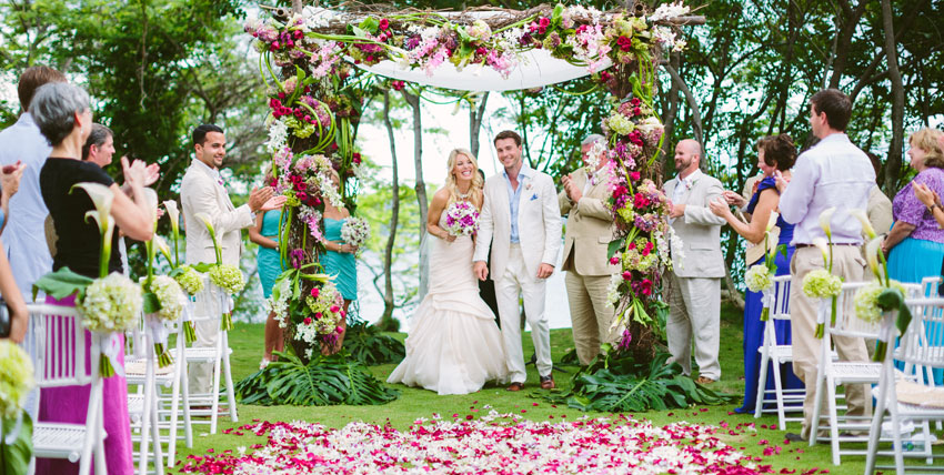 Villa Caletas Wedding couple ceremony – Luxurious wedding destination in Costa Rica