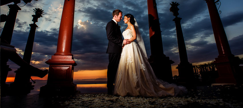 Costa Rica Wedding Photographer - professional photograph of a wedding couple on the beach at sunset